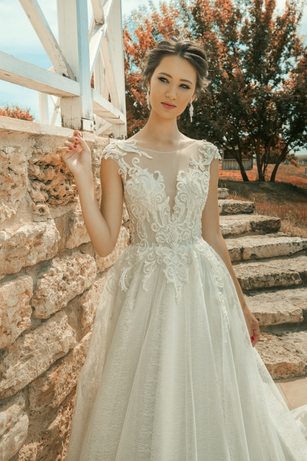 Wedding dress 30236в