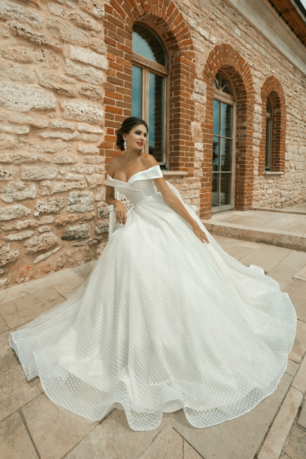 Wedding dress 30250