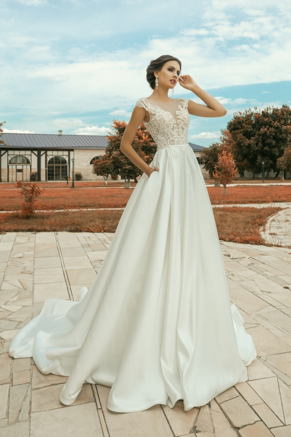 Wedding dress 30256