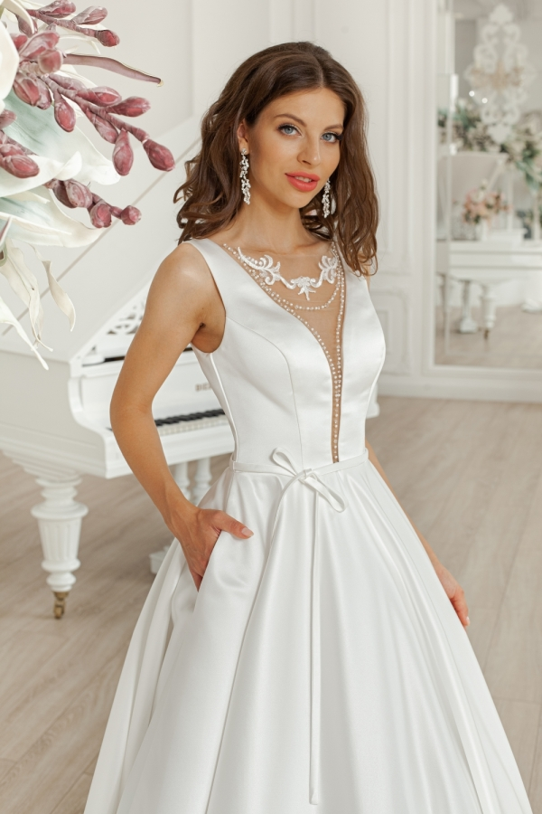 Wedding dress 30258