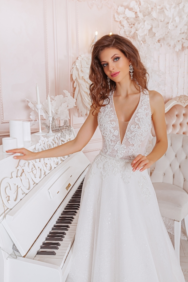 Wedding dress 4060