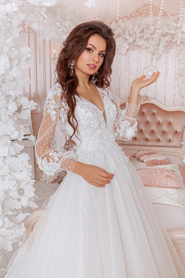Wedding dress 4057