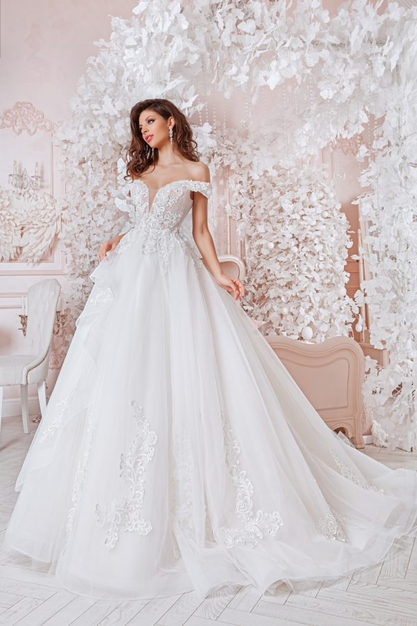 Wedding dress 4054