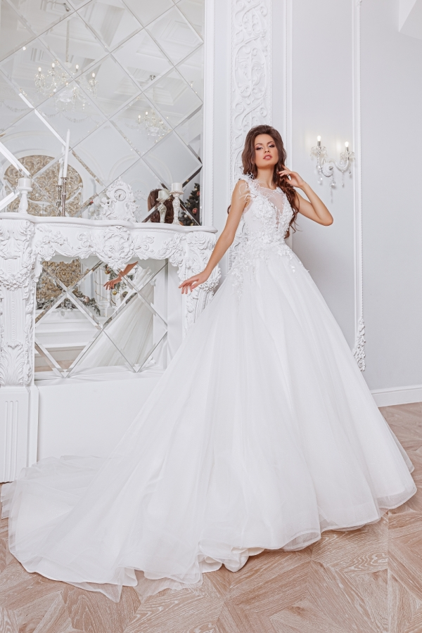 Wedding dress 4050