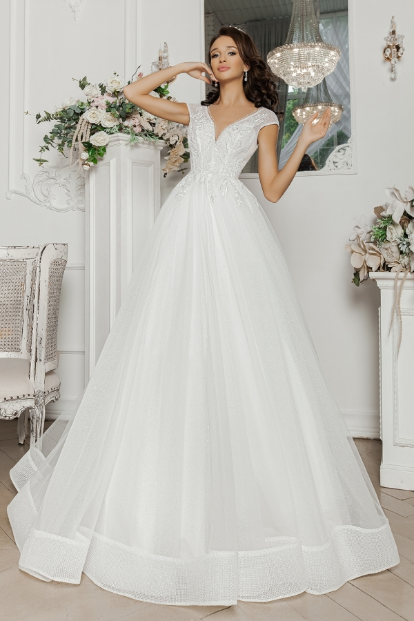 Wedding dress 5066