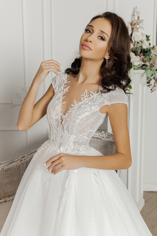 Wedding dress 5069