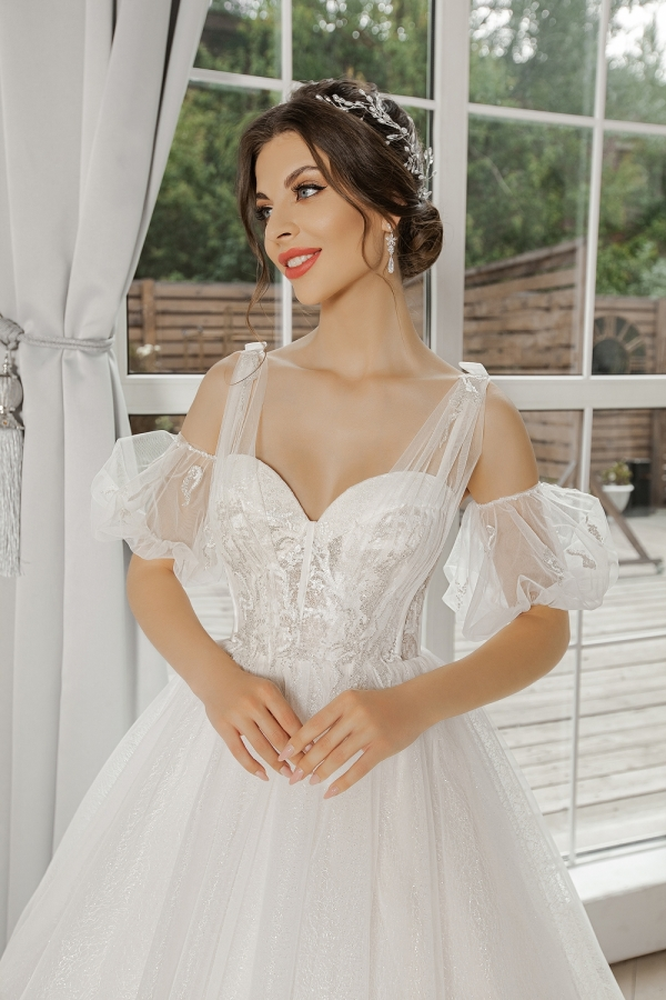 Wedding dress 5071