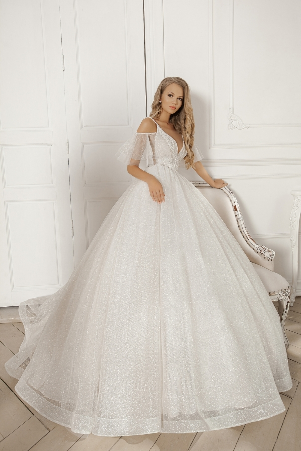 Wedding dress 5078