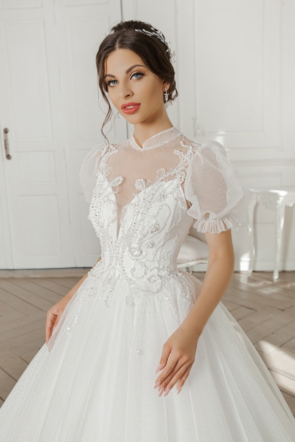 Wedding dress 5090